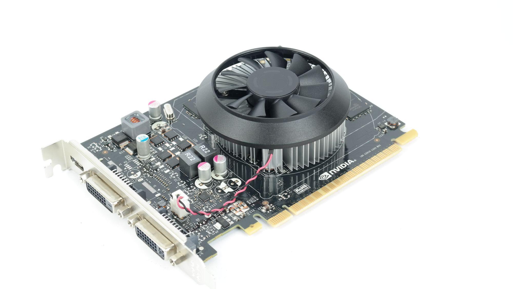 http://www.nordichardware.se/images/labswedish/artiklar/Grafik/Nvidia_Geforce_GTX_750_Ti/fullimages/Geforce_GTX_750Ti_003.jpg