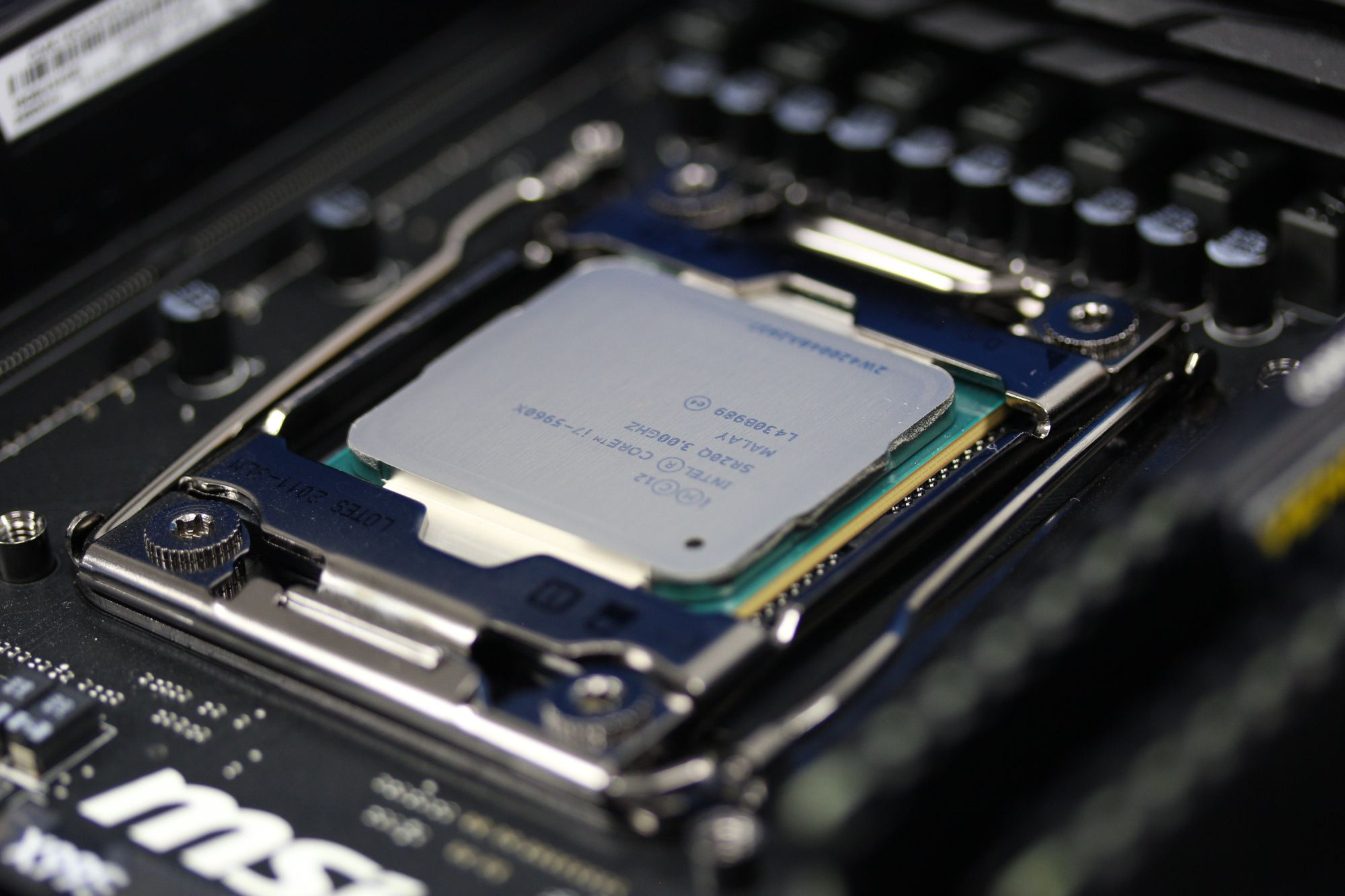 Haswell E socketed