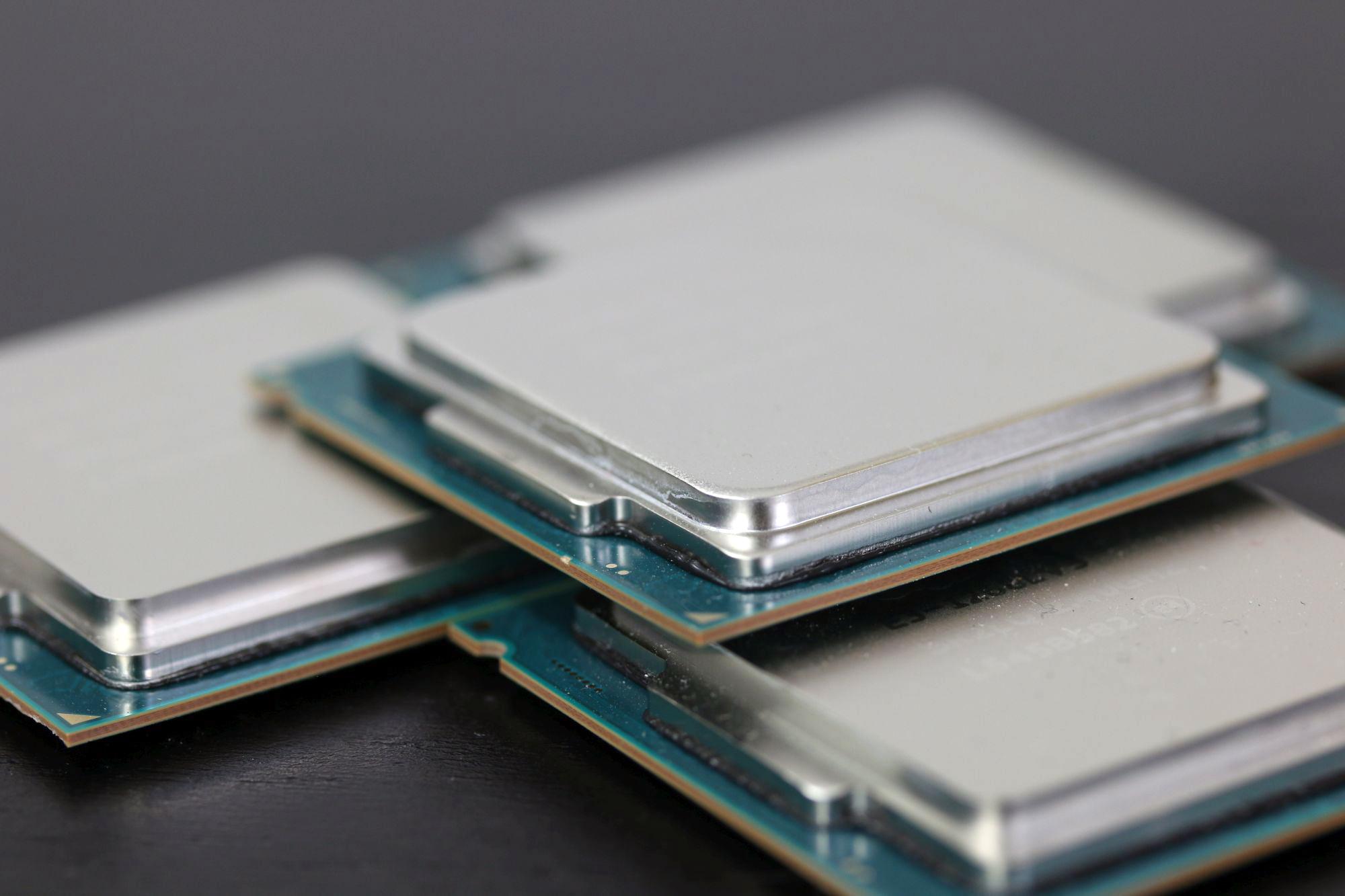 Intel_Xeon_E3-v5_05