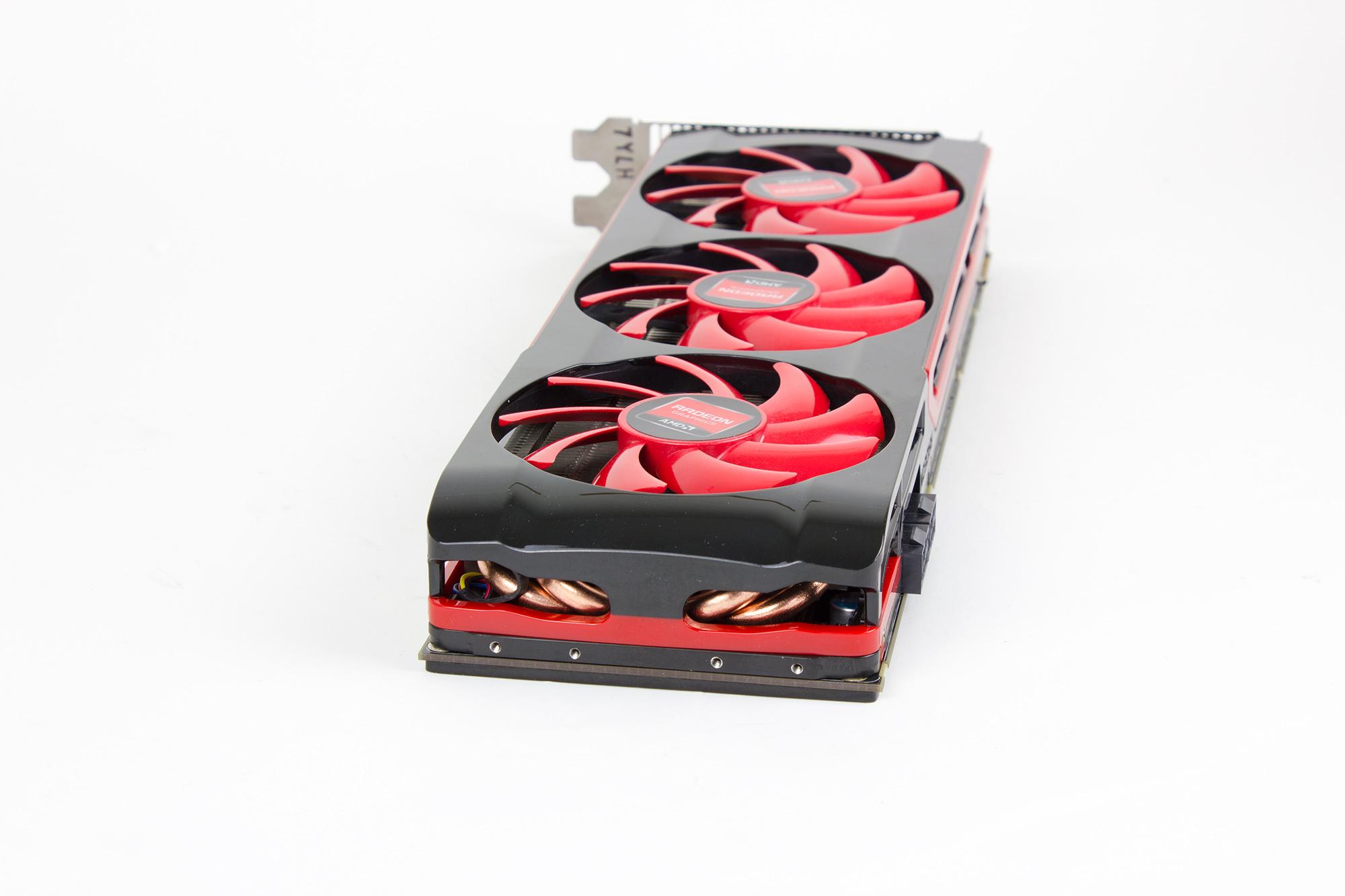 RadeonHD7990_08
