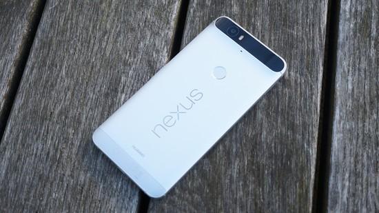 Huawei Nexus 6P Recension baksida